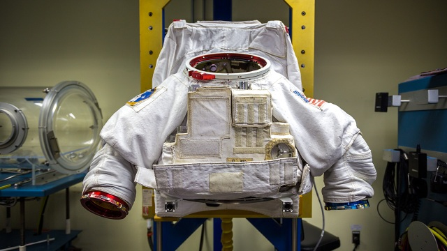 Tested at NASA: How Astronauts Put on Space Suits