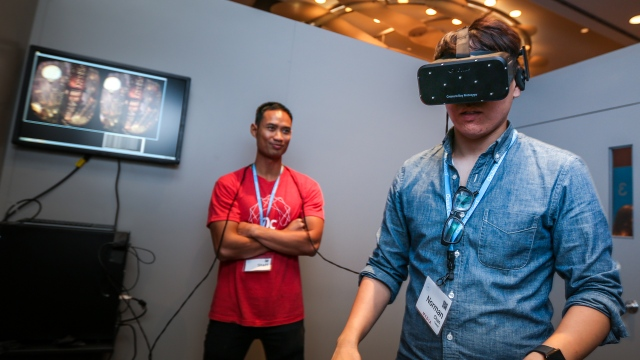 "Hands-On with Oculus Rift ""Crescent Bay"" Prototype Virtual Reality Headset"