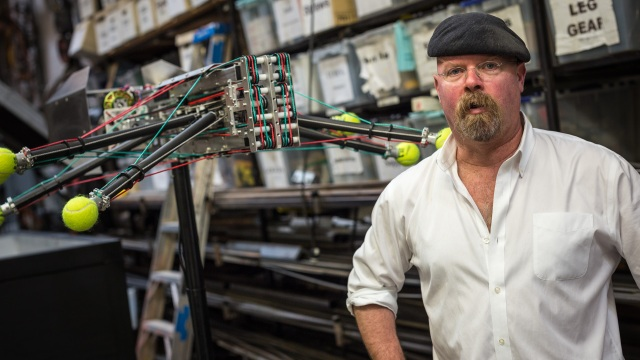 Tested: The Show — Jamie Hyneman's Racing Spiders Project