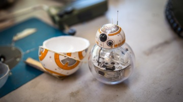 Tested: How the BB-8 Sphero Toy Works