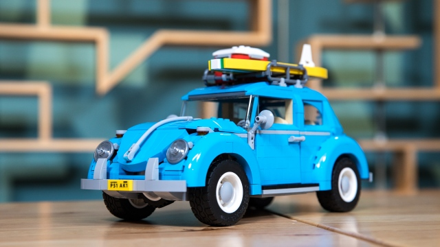 LEGO with Friends: VW Beetle, Part 4