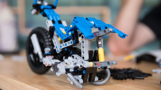 LEGO with Friends: Technic 2-in-1 Build Off, Part 4
