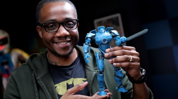 Let's Build: Pacific Rim Model Kit, Part 2