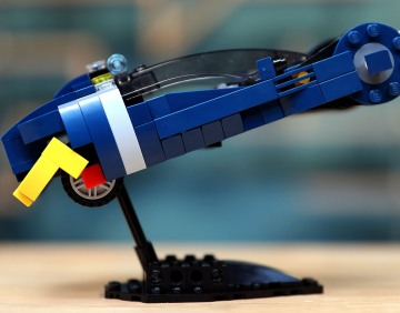 LEGO with Friends: Blade Runner Spinner with Alonso Martinez!