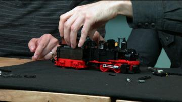 LEGO with Friends: Train Engine with Greg Peltz!
