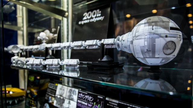 1/10th Studio Scale 2001: A Space Odyssey Discovery Model!
