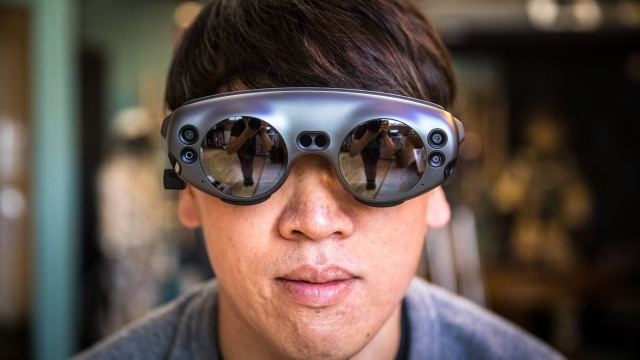 Tested: Magic Leap One Augmented Reality Headset Review!