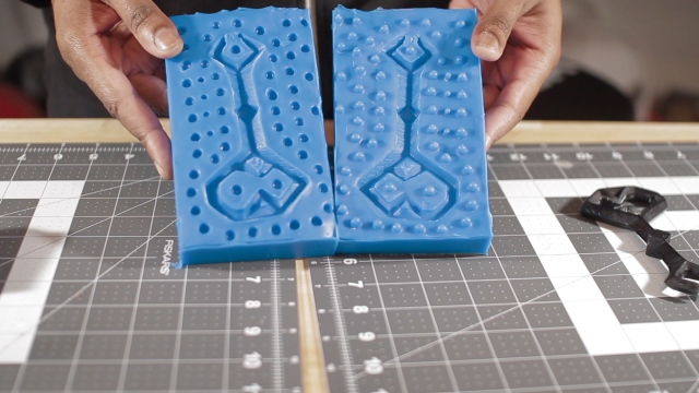 3D Printing and Molding the Key to Erebor!