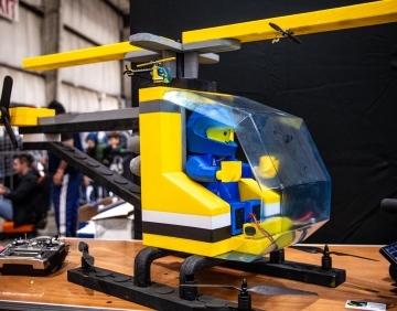 Giant Flying Remote Controlled LEGO Helicopter!