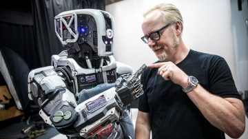 Behind the Scenes of Weta Workshop's 'I Am Mother' Robot