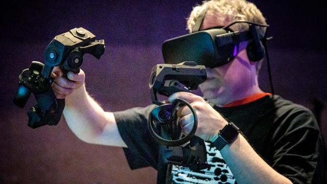 Hands-On with Tactical Haptics VR Controller!