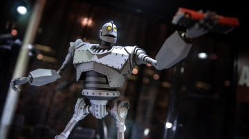 Mondo's New Iron Giant at DesignerCon!