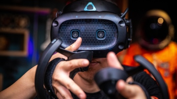 HTC Vive Cosmos External Tracking Faceplate Review