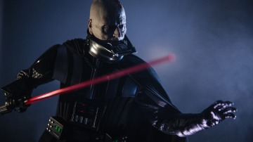 Show and Tell: Hot Toys 1/4 Scale Darth Vader Figure
