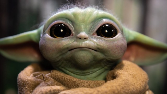 Life-Size Baby Yoda! Sideshow Collectibles' The Child Prototype