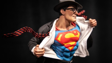Sideshow Collectible's New Quarter-Scale Superhero Statues