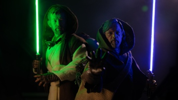 How To Make Custom 1/6 Scale Fluorescent Tube Lightsabers!