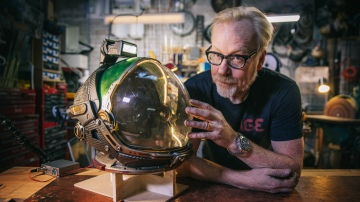 Adam Savage's Alien: Covenant Spacesuit Helmet!