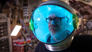 Show and Tell: Jennifer Mann's LED Space Helmet!