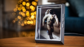 Hands-On: Looking Glass Portrait Holographic Display