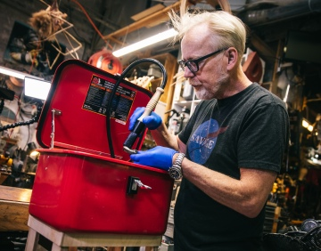 Adam Savage's Favorite Tools: Portable Benchtop Parts Washer!