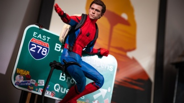 Hot Toys 1/4 Scale Spider-Man Review and Diorama Build